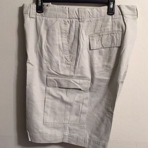 Haggar shorts cargo pocket flaps with Velcro